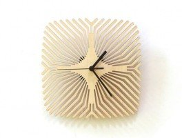 Часы из березовой фанеры